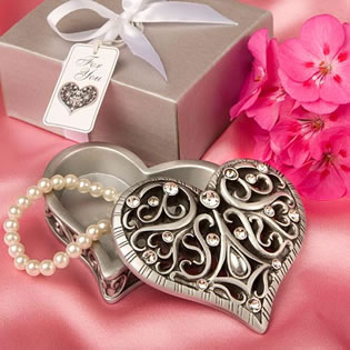 Exquisite Heart Shaped Curio Box