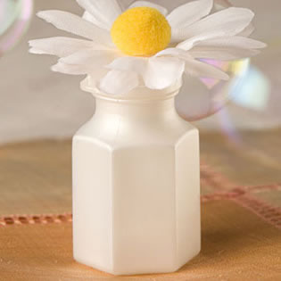 Daisy Topped Wedding Bubbles (12 count)