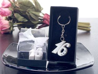 Sweet 16 Keychain with Rhinestones in Pearl White