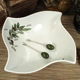Twist Dish with Olive Design