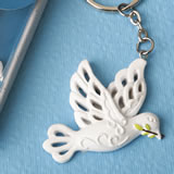 Elegant white Dove Keychain from fashioncraft