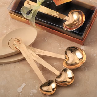 Love beyond measure set of 3 Gold stainless steel heart shaped measuring spoons
